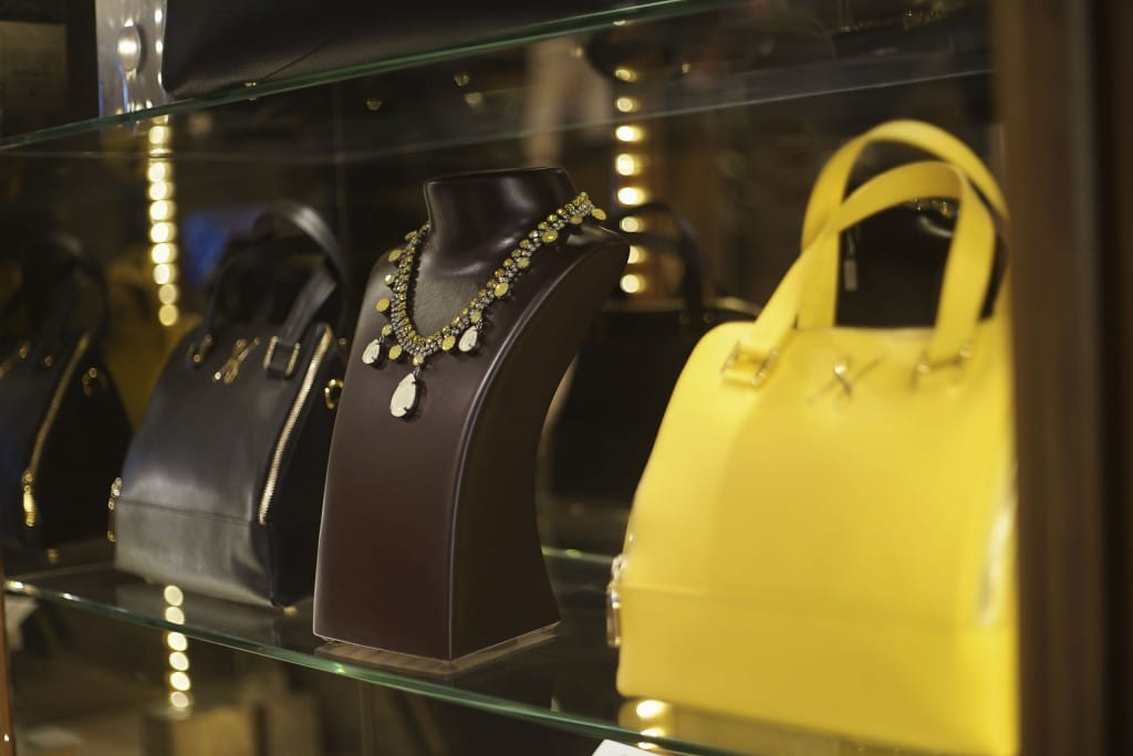 The yellow Pénélope bag
