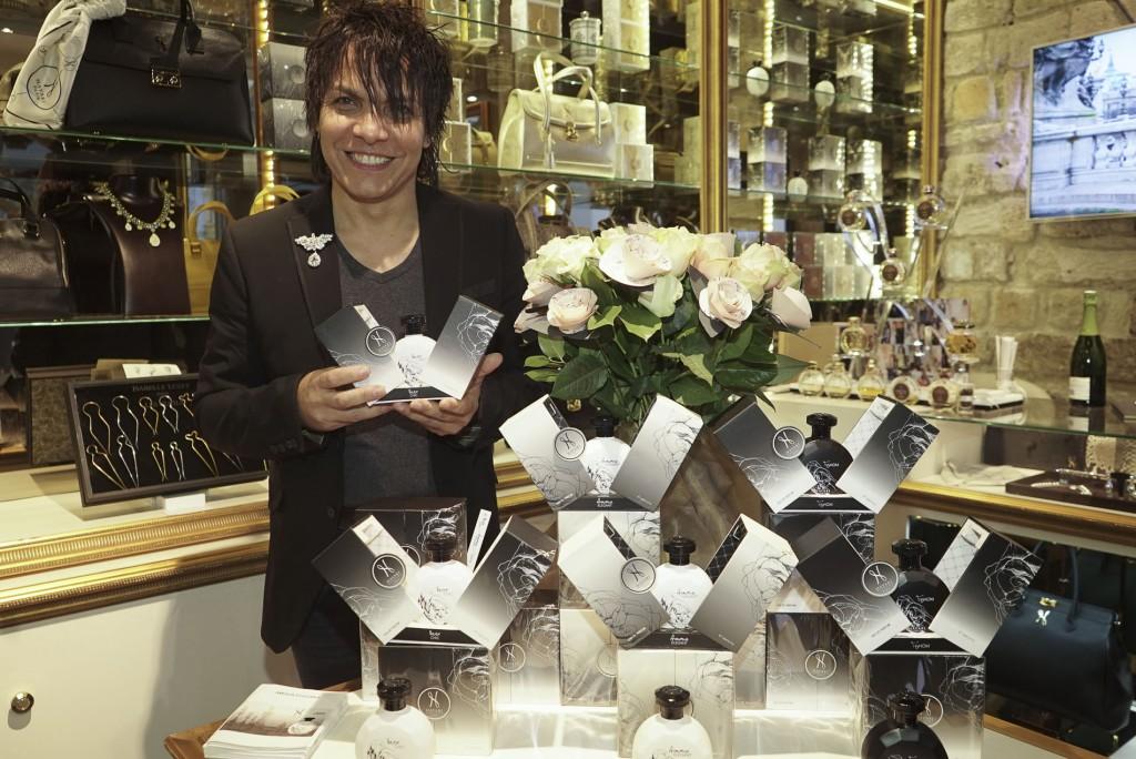 Nabil Hayari présente sa dernière collection de parfums autour de la Rose